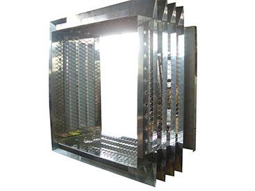 鉄、アルミ、チタン等様々な金属の板金加工に対応